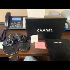 Chanel camellia black leather flip flop